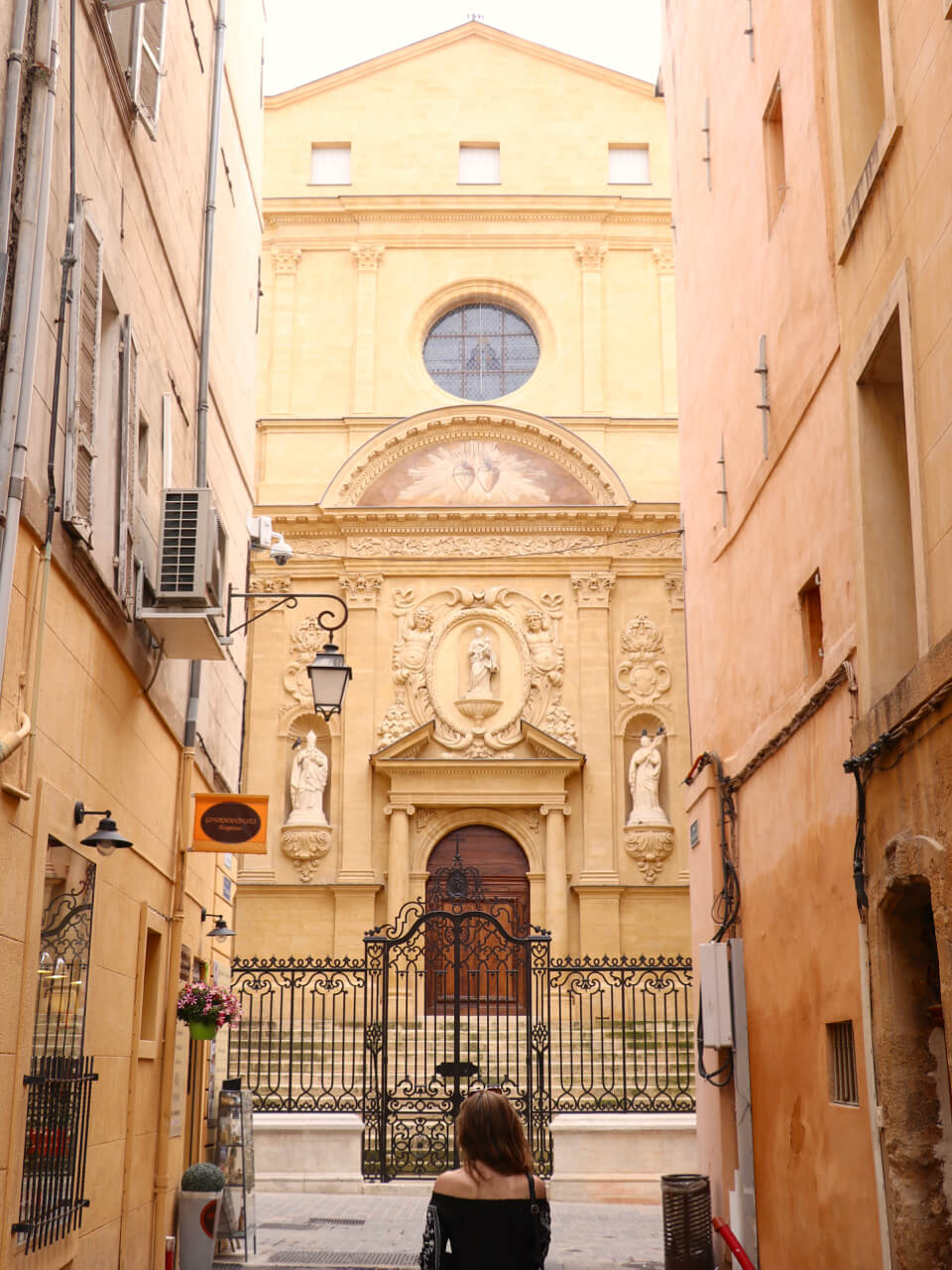 Aix-en-Provence - South of France Road Trip - spinthewindrose.com 3