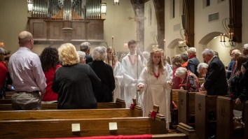 Processing. Led by Thurifer Elizabeth Banks. Image: Gary Allman