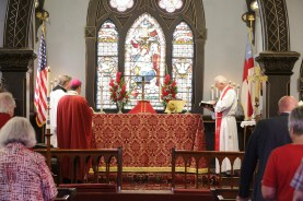 Altar with flowers in honor of the generations supporting Christ Church. Christ Church Lexington - 175th Anniversary. Image credit: Tim Ross