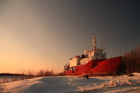 abandoned-ship-ship-snow-night-beach-ships