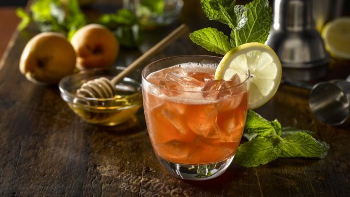 Hey, Honey valentine's day cocktails