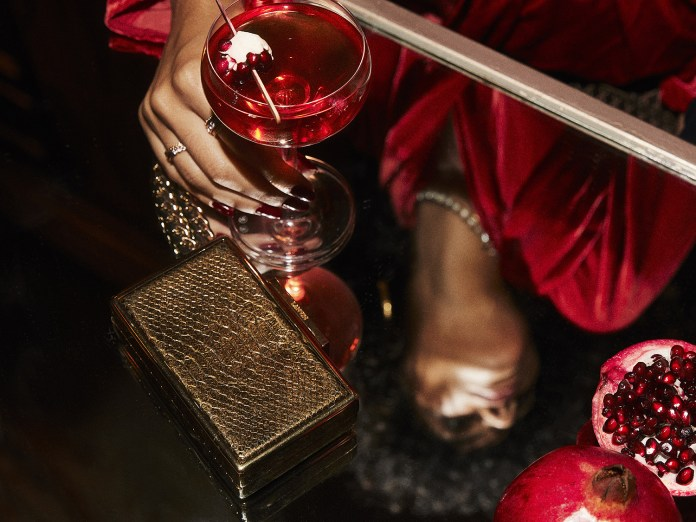 CÎROC Pomegranate, Infused with Pomegranate and Other Natural Flavors
