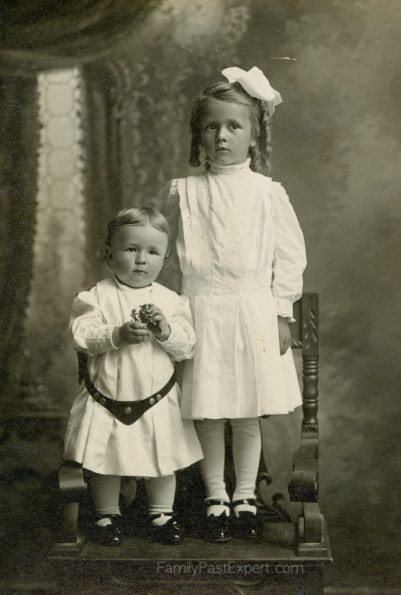 Sally (Selma) and her brother Freddy Aschbrenner, ca 1910.