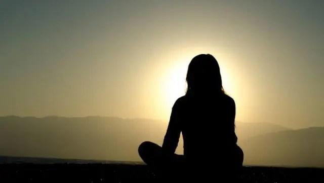 瞑想が危険だと言われる理由とその対策
