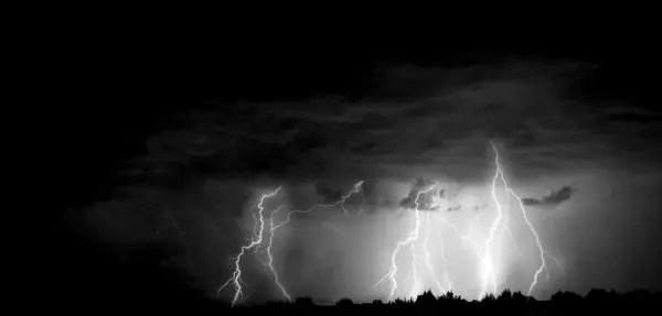 雷 落雷 雨