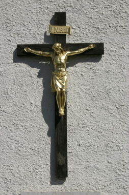 GoldenChristCrucifix