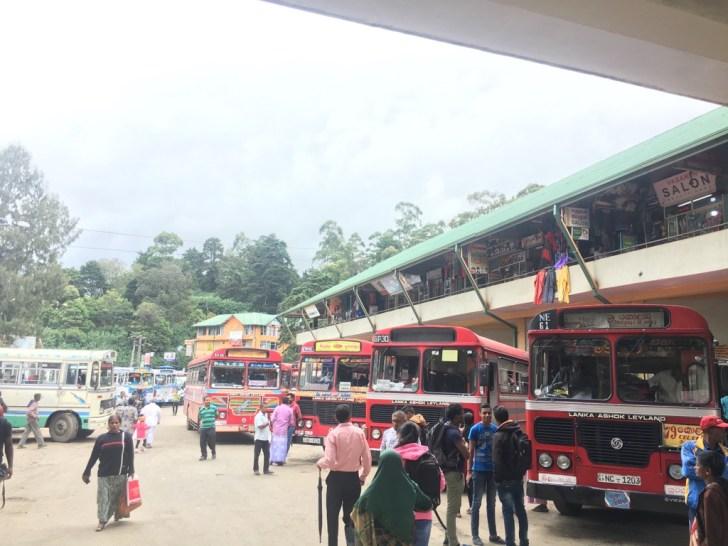 ヌワラエリヤのバスターミナル