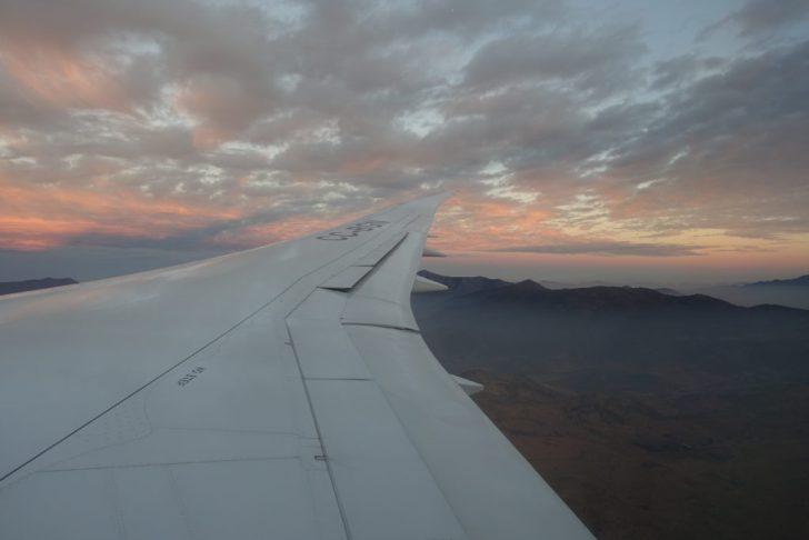 飛行機からの夜明け