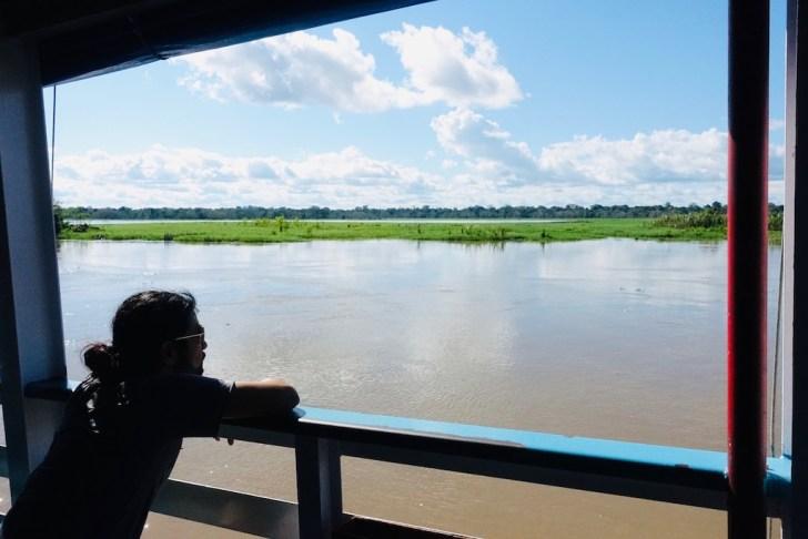 アマゾン川を眺める