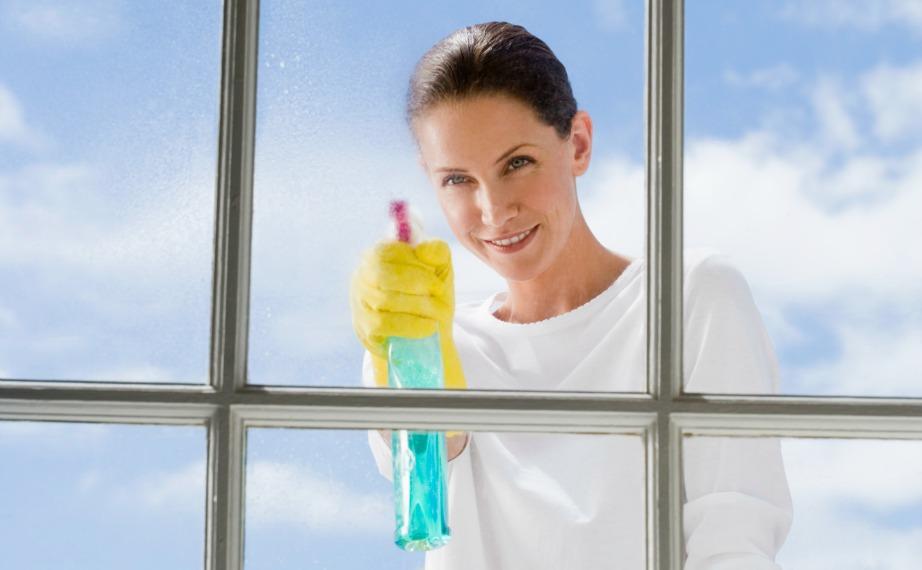 Μην χρησιμοποιείτε χημικά καθαριστικά γιατί η σκόνη συσσωρεύεται πιο εύκολα