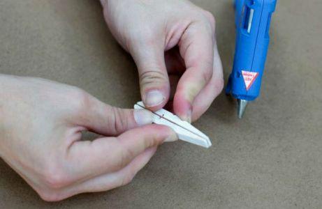 Βήμα 3: Δημιουργήστε νέα ζευγάρια κολλώντας τα από την ανάποδη πλευρά.