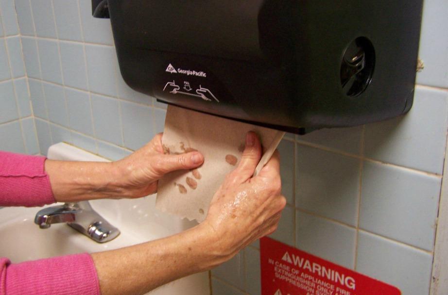 Με αυτόν τον τρόπο θα μειώσετε κατά πολύ την κατανάλωση χαρτιού κουζίνας.