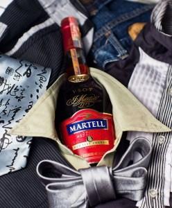 Символом коньячного дома Martell стала золотая ласточка