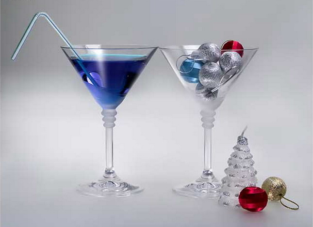 Коктейли из водки также очень легко готовятся и способны стать прекрасным дополнением к новогоднему столу