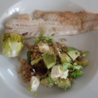 Fisk med perlebyg salat