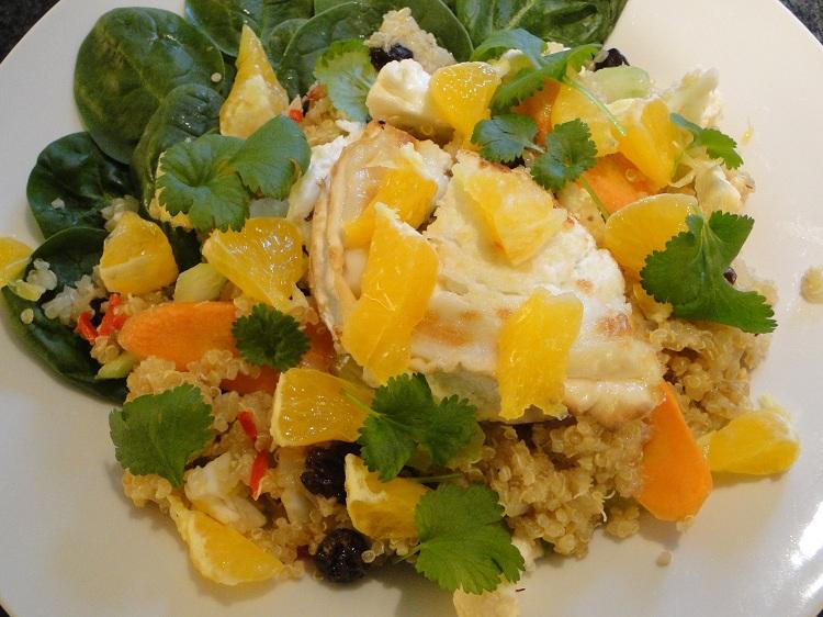 Lun Quinoa-salat med appelsin