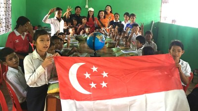 A-Kids Visit with flag