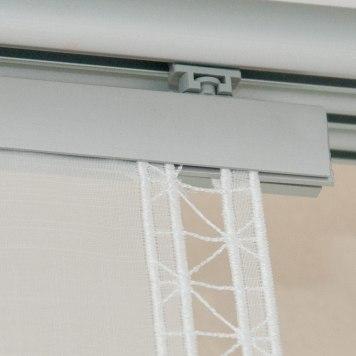 flächenvorhang-gekettelt-für-klemmstange-oben