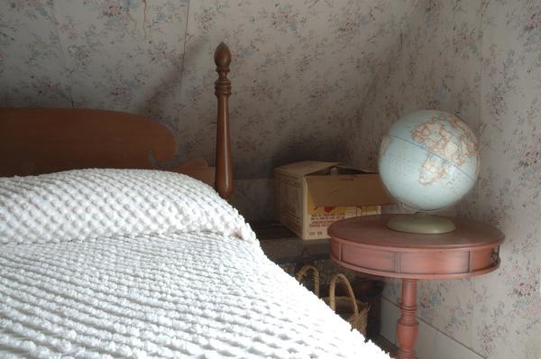 globe, Bondsville, Massachusetts, 2006