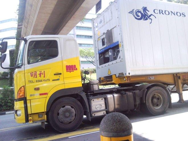 cronos-truck