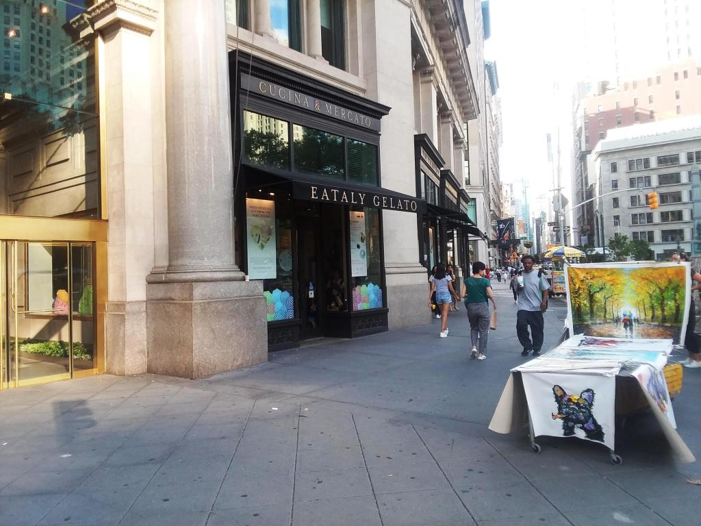 Exterior of Eataly on 23rd Street in Manhattan