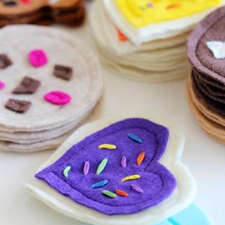 For Beany's cookie jar: DIY felt cookie tutorial