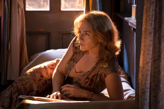 NYFF Film Review: Woody Allen Is Going in Circles In WONDER WHEEL