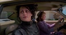 Eward (Johnny Depp) und Peg (Dianne Wiest)