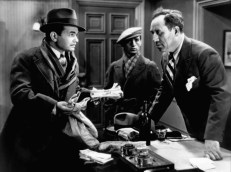 Caesar (Edward G. Robinson), Otero (George E. Stone) und Sam Vettori (Stanley Fields)