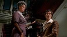 Die Gräfin (Alida Valli) und Sohnemann Maximilian (Alessio Orano)