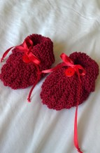 https://splendidexpressions.wordpress.com/2017/04/12/knit-baby-set/