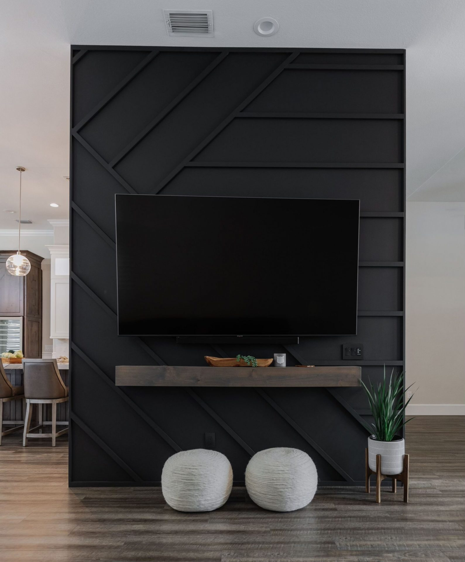 Canoe Creek | TV Wall