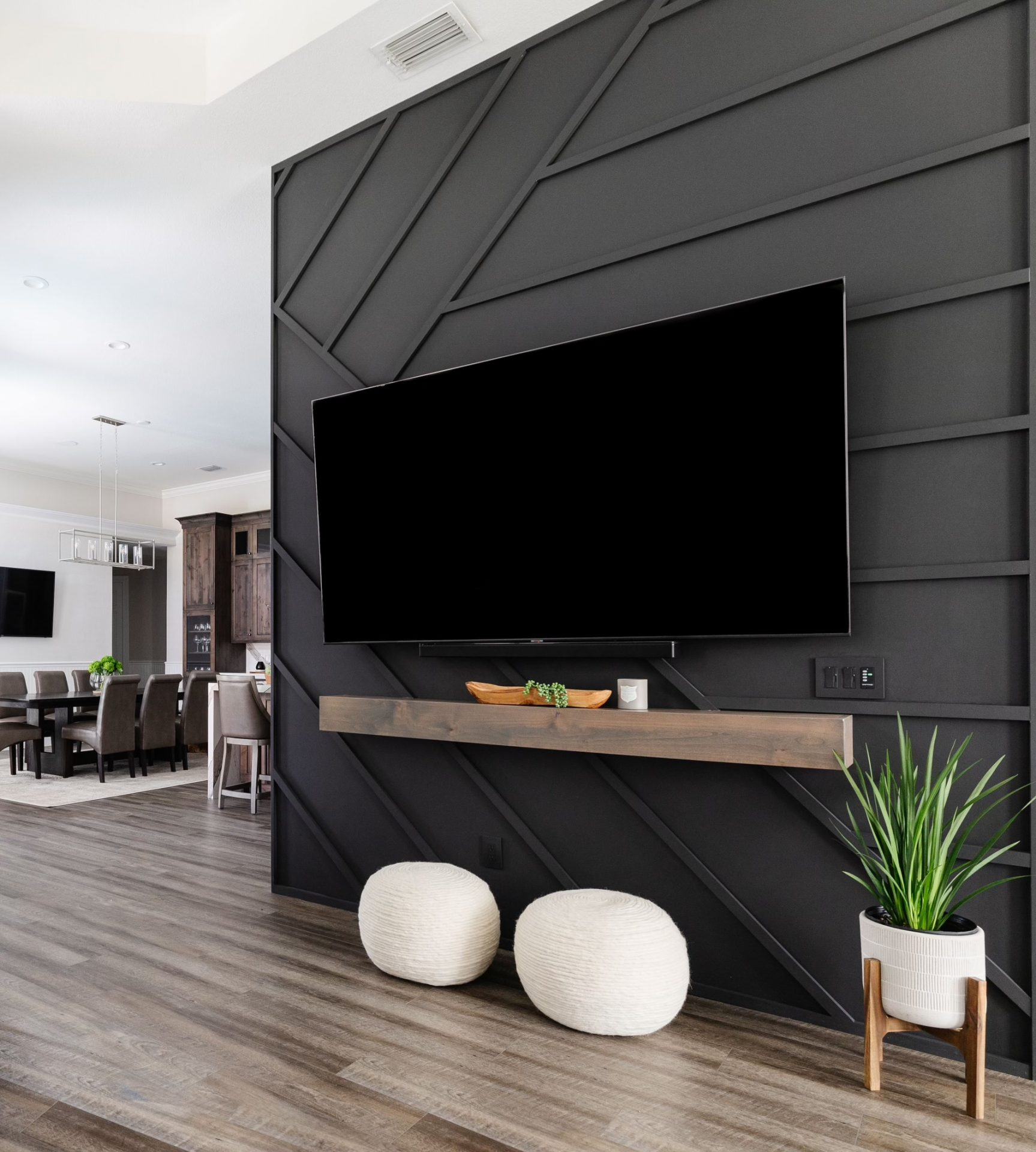 Canoe Creek Terrace | Television Wall