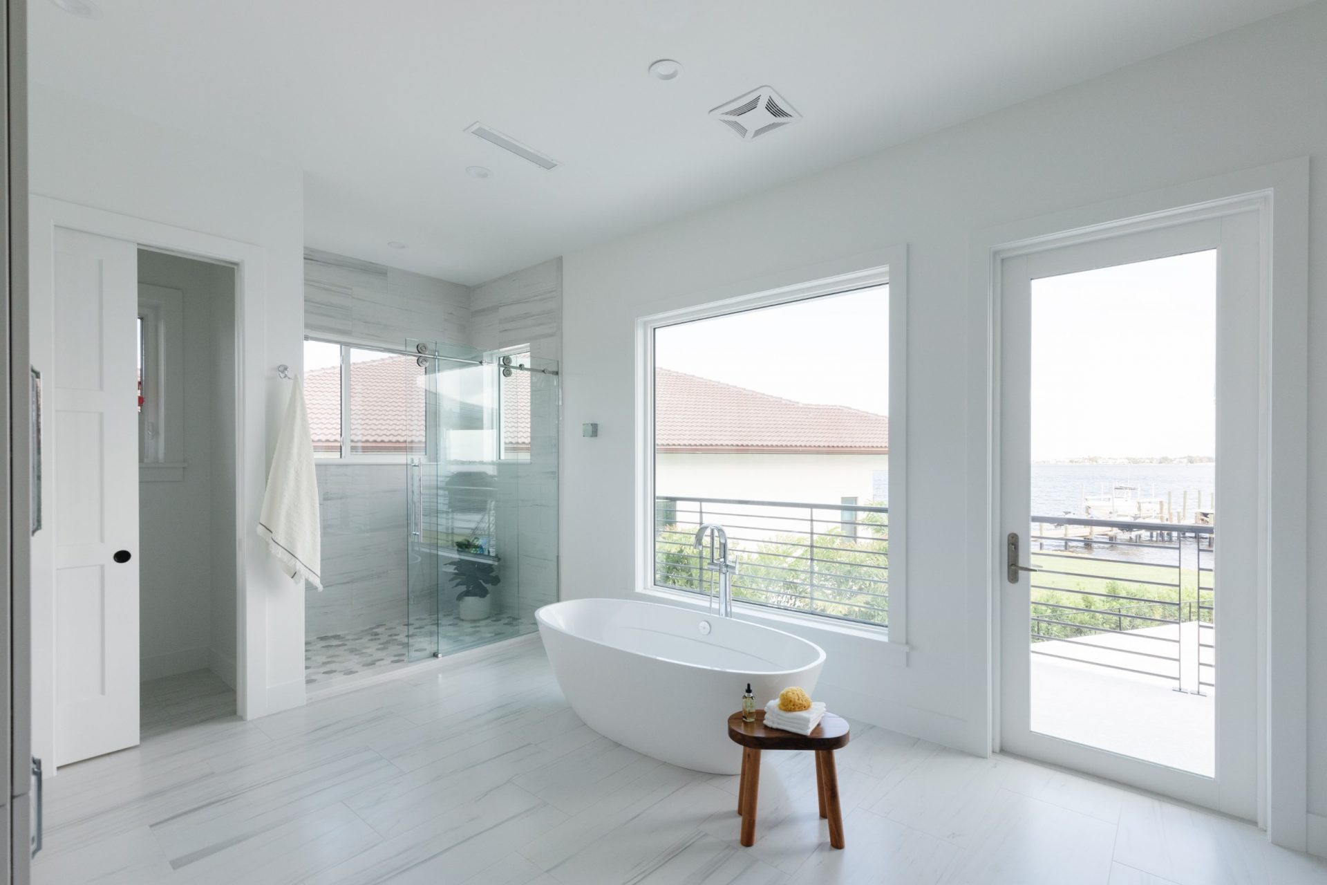 Peet's Perch | Master Bathroom