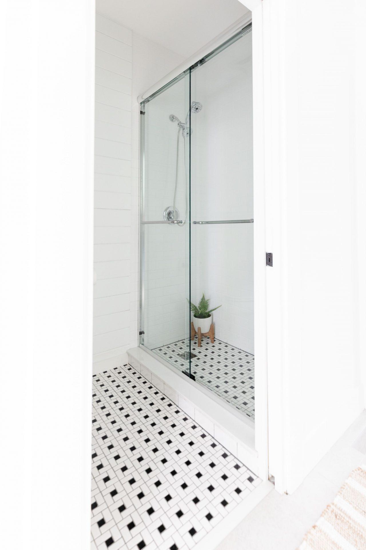 Peet's Perch | Vintage Garden Bathroom