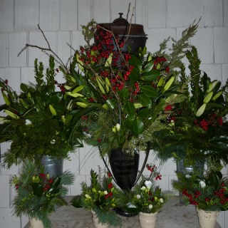 A Winter Holiday Bouquet Kit