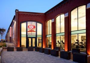 Boston Sports Clubs - Boylston Review