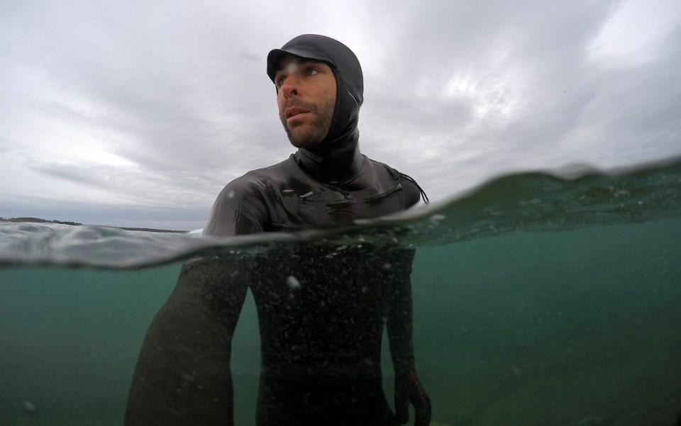 underwater-selfie-Split-dome-port