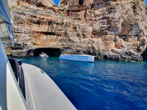 Amazing-Vis-island-Split-Sea-Tours-DeLuxe-Blue-cave-Tour-from-Split