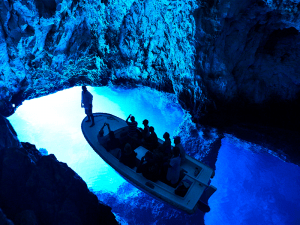 Blue-cave-by-Ivo-Pervan-Split-Sea-Tours-DeLuxe-Blue-cave-Tour-from-Split