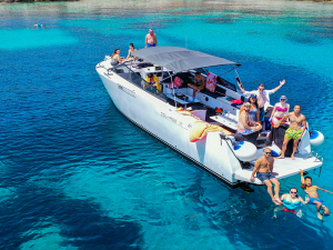 Saso-Mange-boat-3-Split-Sea-Tours-DeLuxe-Blue-cave-Tour-from-Split