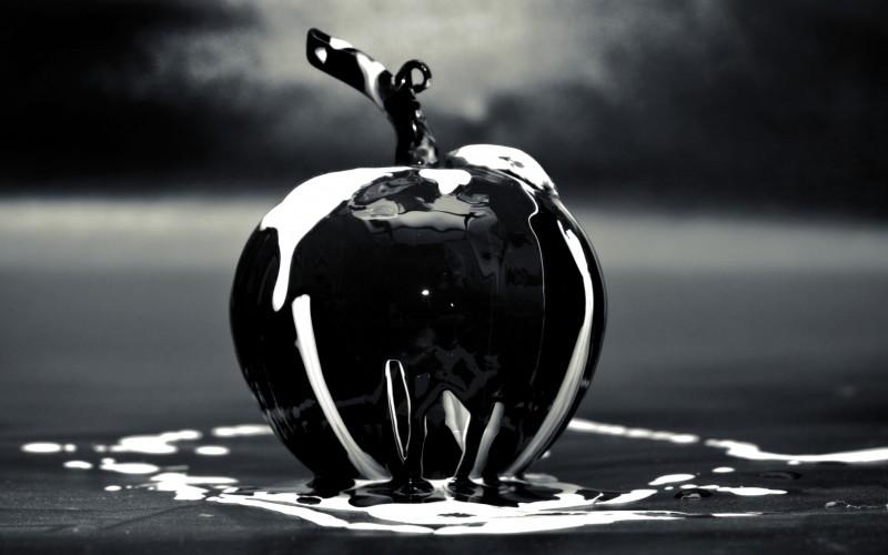 Black Apple of Glass
