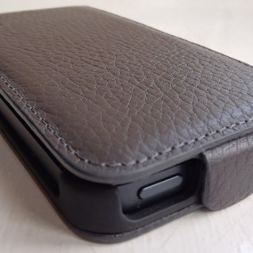 Review: Artwizz SeeJacket Flap Plus Leather Case