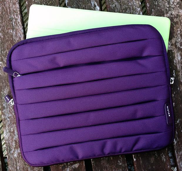 Review: Belkin Pleat Sleeve for iPad