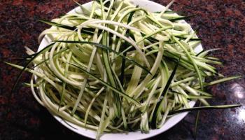 Raw Courgette Spaghetti
