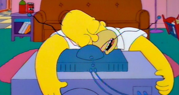 The Simpsons Love TV - Hug