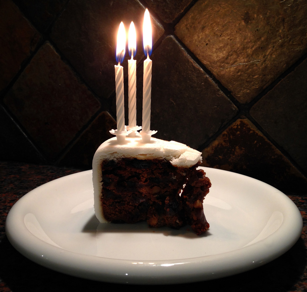 Happy Birthday Christmas Cake with Candles for Splodz Blogz