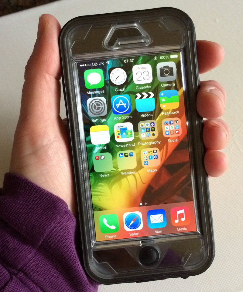 Review: Naztech Vault Waterproof Case for iPhone