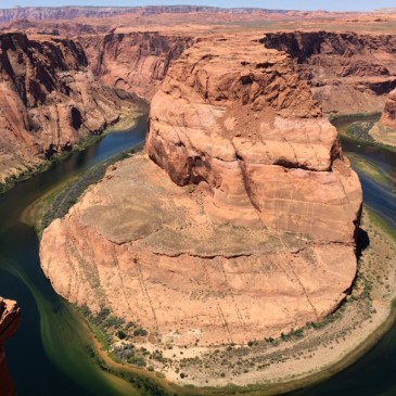 The Most Famous River Bend in the World – Horseshoe Bend