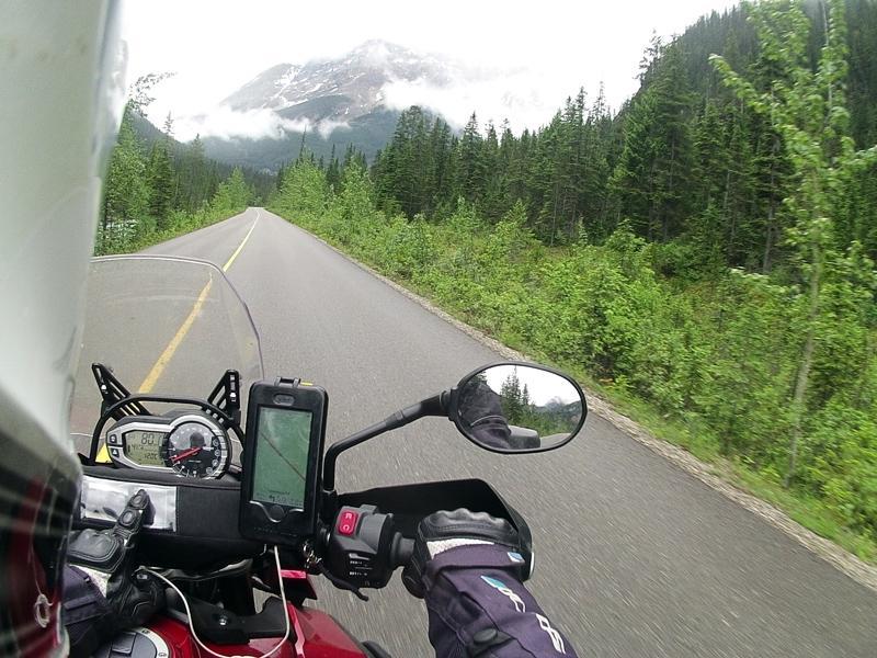 Riding to Moraine Lake